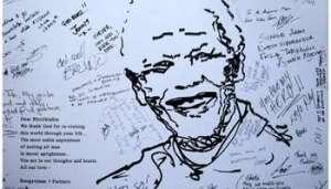 Messages de soutien à Madiba sur un mur devant la clinique où il est hospitalisé, à Pretoria. © AFP.
