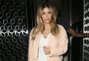Kim Kardashian vers un nouveau look fashion