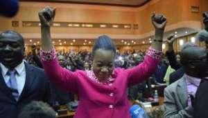 Catherine Samba-Panza élue présidente de transition de Centrafrique, le 20 janvier 2014 à Bangui. Catherine Samba-Panza élue présidente de transition de Centrafrique, le 20 janvier 2014 à Bangui. © AFP