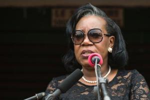 Catherine Samba-Panza menace de licenciement les ministres incapables