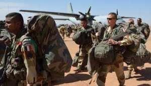 Les troupes de l'opération Serval cantonnées près de Bamako comptent 500 hommes. © AFP