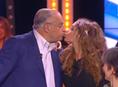 Nabilla, baiser chaud sur la bouche de Gérard Louvin