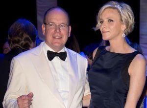 Le prince Albert II de Monaco et son épouse Charlène, scintillants de bonheur