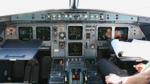 Pourquoi le pilote a-t-il verrouillé le cockpit?