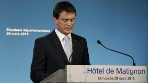 Le Premier ministre Manuel Valls lors de son discours après l'annonce des estimations du second tour des élections départementales, le 29 mars 2015.REUTERS/Philippe Wojazer