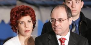 L'actuel ministre israélien de l'Intérieur Silvan Shalom et son épouse, en 2005 lors d'une cérémonie à Paris. © Jack Guez/AFP