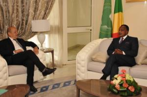 Le Drian et Sassou, le 24 juillet 2015, à Oyo