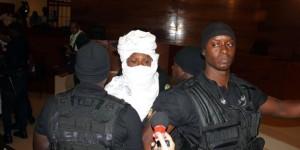 L'ex-président tchadien lundi 20 juillet lors de l'ouverture de son procès à Dakar. © Ibrahima Ndiaye/AP/SIPA