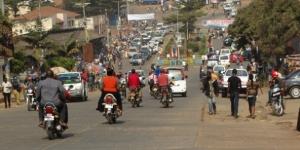 Dans une rue de Bukavu, après le tremblement de terre, vendredi 7 août au matin. © Wendy Bashi pour J.A.
