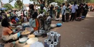Des réfugiés dans un camp de Bossangoa en Centrafrique. © Sia Kambou/AFP