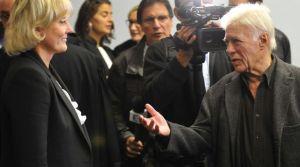Guy Bedos (d) et la députée européenne Nadine Morano, au tribunal de Nancy, avant le procès de l'humoriste pour insulte, le 7 septembre 2015.afp.com/Jean-Christophe Verhaegen