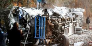 Dix-sept personnes sont mortes à Lusaka, la capitale de la Zambie, dans une collision entre un bus et un camion. © Dennis Milanzi/afp