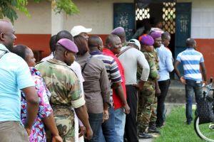 Lors du référendum constitutionnel au Congo, dimanche 25 octobre. Crédits : STRINGER / REUTERS