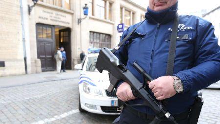 un-policier-le-29-decembre-2015-a-bruxelles