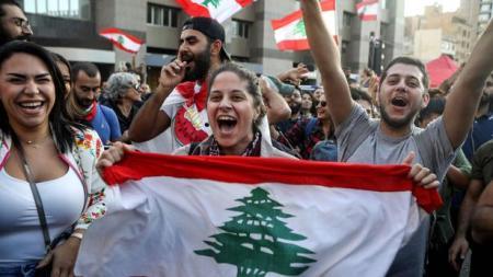 TOPSHOT-LEBANON-POLITICS-DEMO